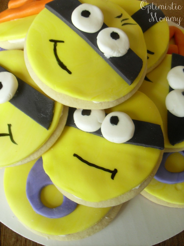 Despicable Me - Minion Cookies | Optimistic Mommy