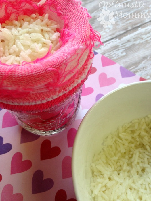 Show your sweetheart you love them when you craft this easy and inexpensive no sew Valentine's Day heat pack. You can craft your own heat pack in just minutes and using items from your local dollar store. The end result is the perfect solution to sore and aching muscles or just for warming cold skin.   Optimistic Mommy