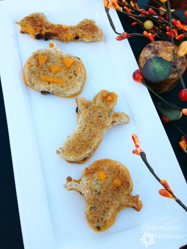 Halloween Grilled Cheese Sandwiches with Sun-Dried Tomatoes | Optimistic Mommy