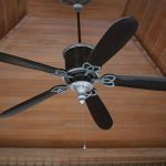 How to Use Your Ceiling Fans in Any Climate