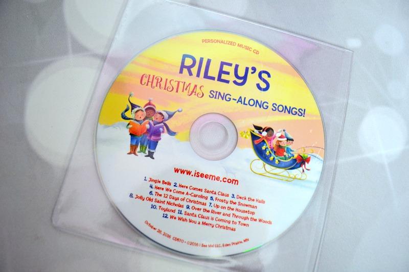 i-see-me-rileys-christmas-sing-along-book-05