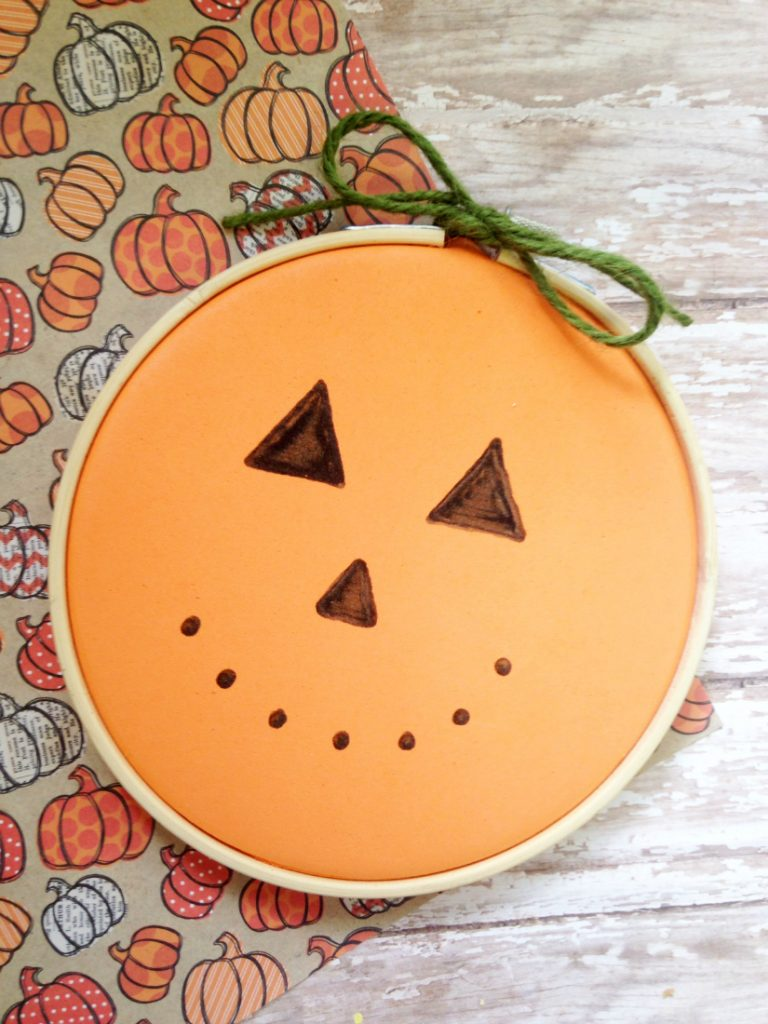 embroidery-hoop-pumpkin