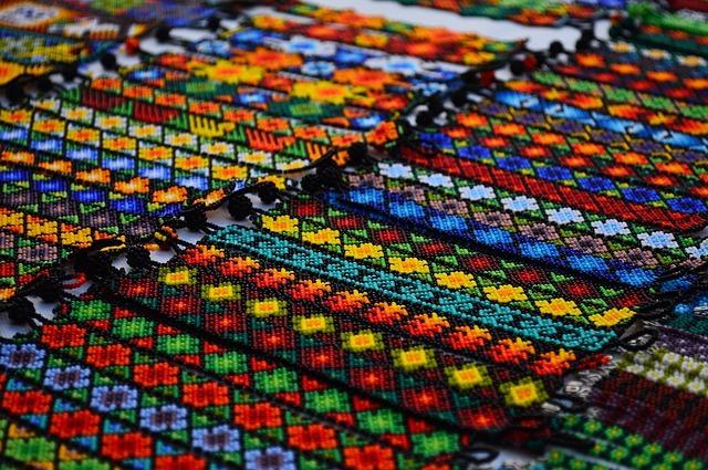 bracelets-1259784_640