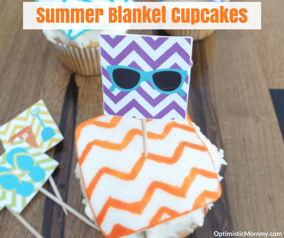 Summer Treats: Beach Blanket Cupcakes