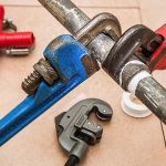 When To Call a Plumber: 4 Red Flags To Watch For