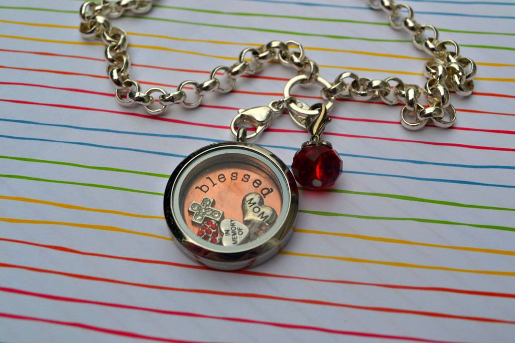 Origami Owl Necklace in Memory of My Mom - Review | Optimistic Mommy