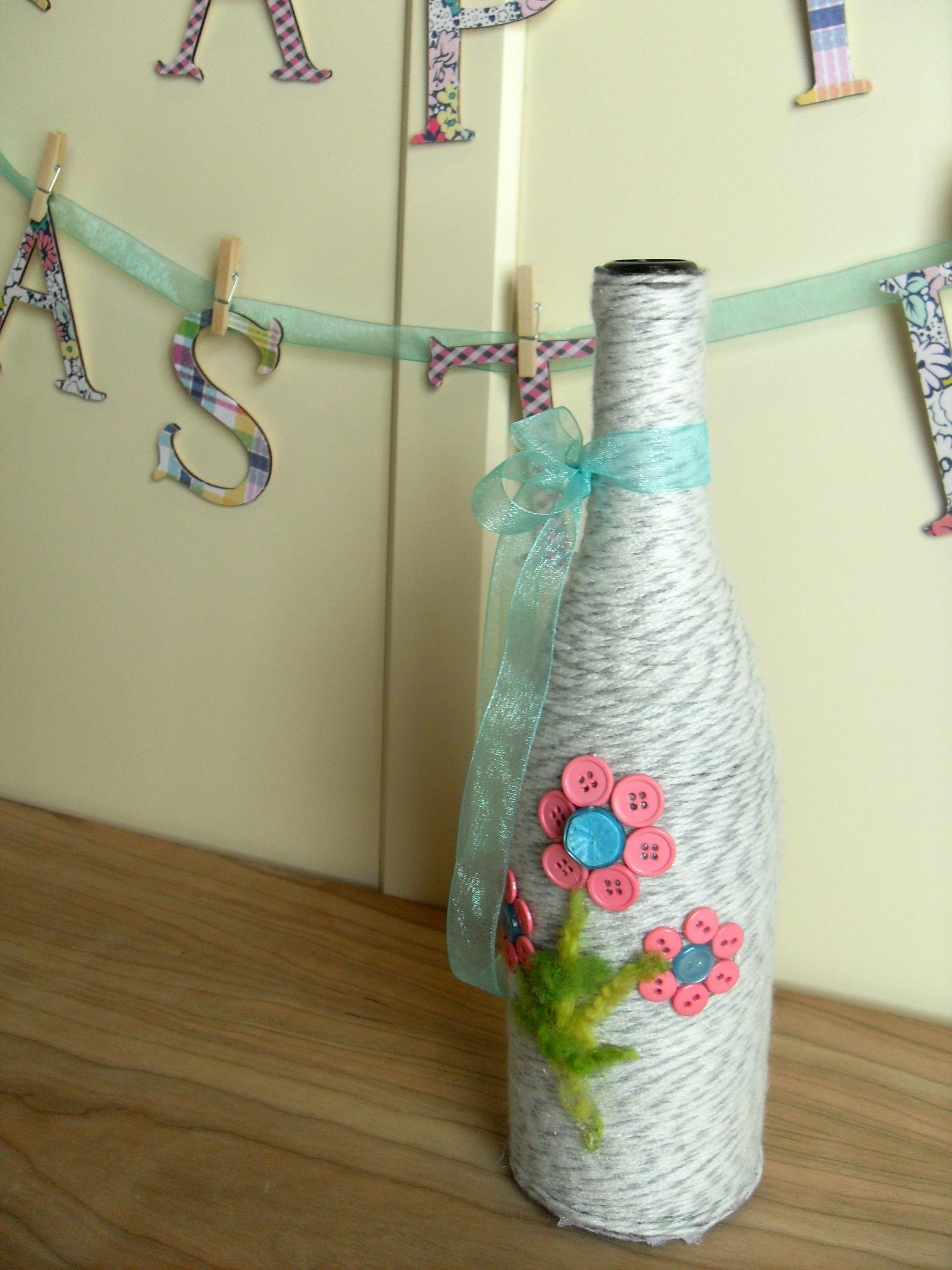 Spring Vase & Easter Banner Tutorial | Optimistic Mommy