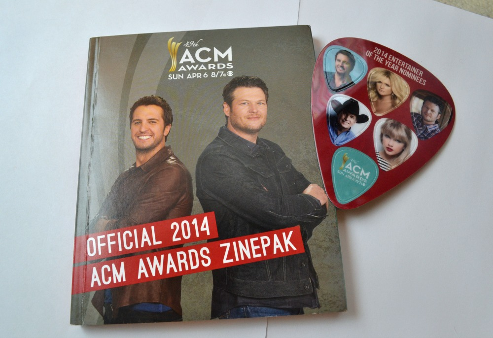 Official 2014 ACM Awards ZinePak Review & Giveaway!  #ACMZinePak | Optimistic Mommy