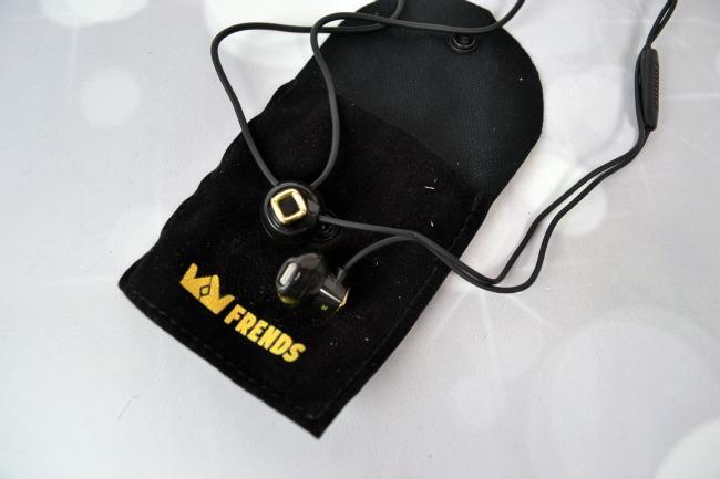 FabFitFun The Winter Box - FRENDS Earbuds