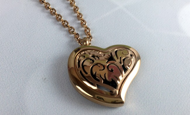 Fine Line Living Essential Oil Necklace Heart Style