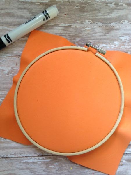embroidery-hoop-pumpkin-tutorial