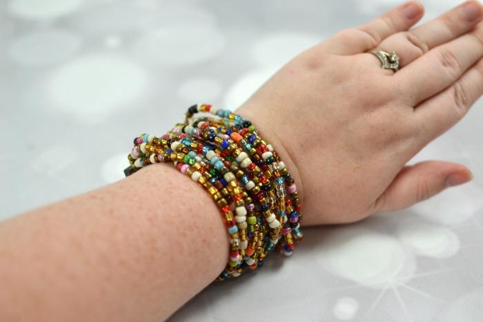 World Vision - Turquoise Medallion Necklace & Mango Wood Beaded Bracelet #OMHoliday16 | Optimistic Mommy