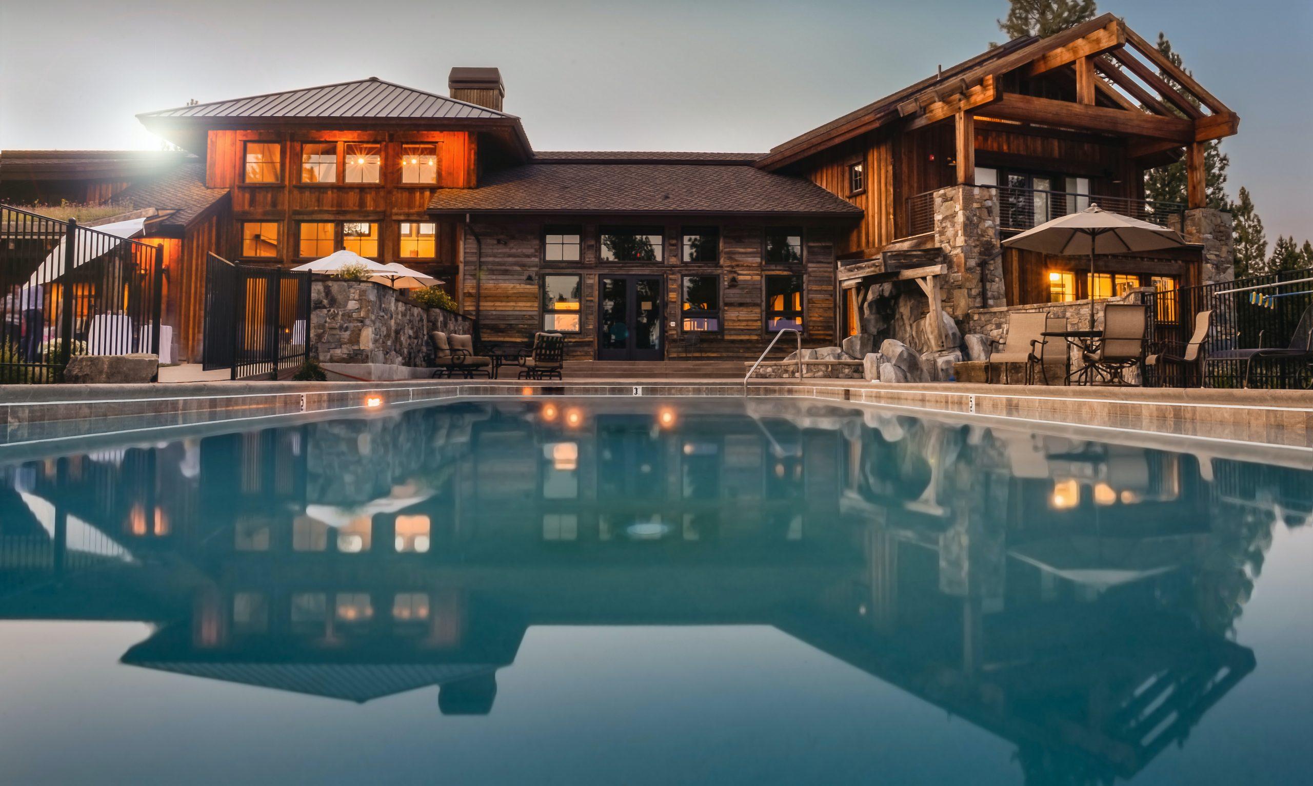 villa with sweeming pool